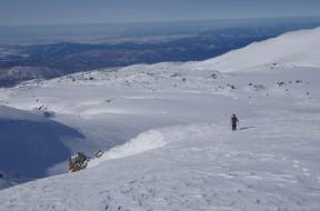 大雪原を行く下山家