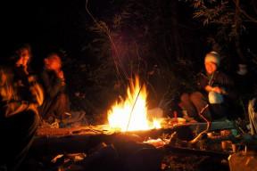 楽しい楽しいたき火の時間