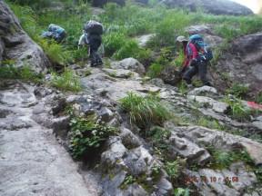 6:56 沢の詰にもにた厳しい登りがこれから続く