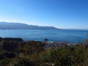 駿河湾。海の見える山はいいな