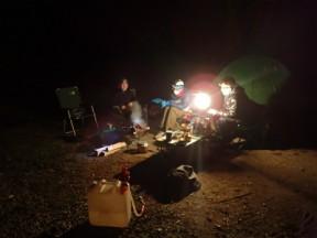 下山後はキャンプ場で夜更かし。