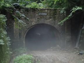 二ッ小屋トンネル。趣があるなあ
