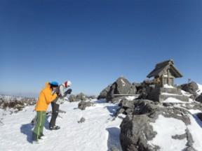 天狗原では山スキーは初詣で今年の安全をお願いします