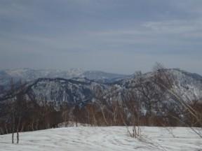 大次郎山からは苗場山、かくら峰がよく見えました